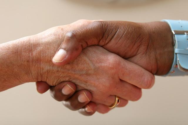 Photo of Po co   nam w ogóle umowy pisemne i czy każdą należy konsultować z prawnikiem?