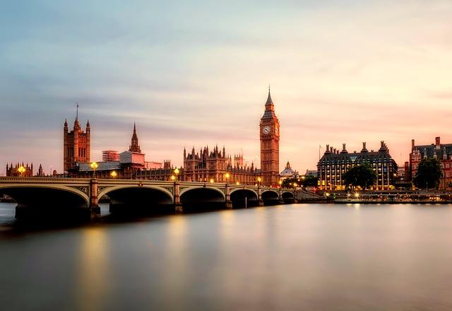 Photo of Najwyższe porażki w brytyjskiej  w Izbie Gmin a  premier May.