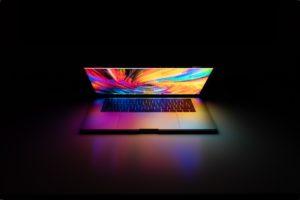 piękny macbook, a co ze sprzedażą  używanego oprogramowania