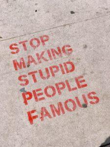 Nie róbcie z  imbecyli celebrytów - świat będzie lepszy
