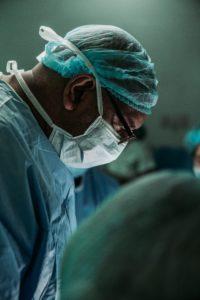 umowa o operację  to  taka super odmiana umowy o leczenie