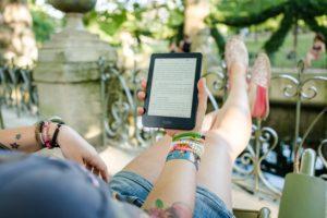 Ebook czytany jak książka. Czyżby sentyment pozostał?