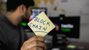 Smart kontrakty równa się blockchain