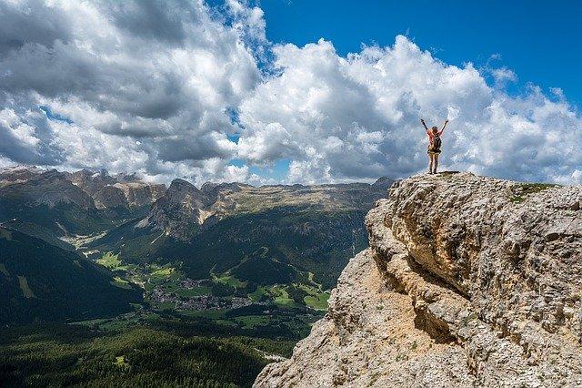 Nie ma nic bardziej irytującego niż zdjęcie człowieka sukcesu na szycie góry.
